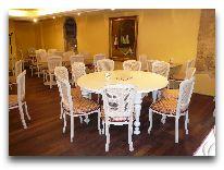 отель Meriton Old Town Garden: Зал для завтраков