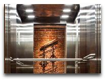 отель Metropolitan: Лифт