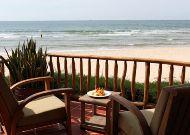 отель Mia Resort Mui Ne: Deluxe Beach Front Bungalow - терраса