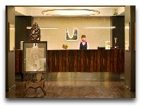отель Kreutzwald Hotel Tallinn: Ресепшн