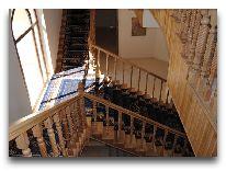 отель Minorai-Kalon Hotel: Лестница отеля