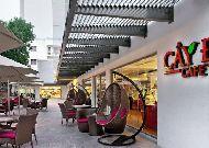отель Moevenpick Saigon Hotel: Открытое кафе