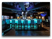 отель Moevenpick Saigon Hotel: Бар