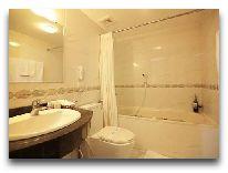 отель Moonview: Ванная вномере