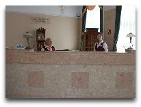 отель Москва: Ресепшен