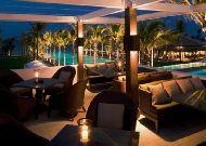 отель Nam Hai Resort Hotel: Бар