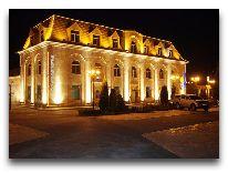 отель Nane Hotel: Отель вечером