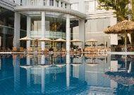 отель Novotel Ha Long Bay Hotel: Бассейн