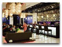 отель Novotel Ha Long Bay Hotel: Бар