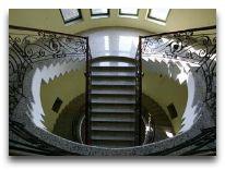 отель O Galogre: Лестница в отеле