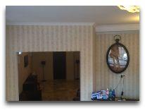 отель Old Tiflis: Холл отеля