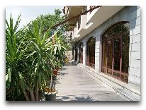 отель Olimpia Hotel: Территория
