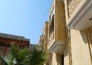 отель Omar Khayam: Фасад отеля внутри дворика