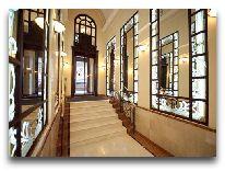 отель Opera Hotel: Коридор отеля