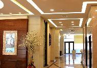 отель Opera Suite Hotel: Холл