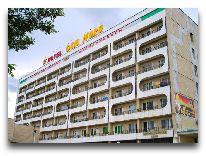 отель Ош-Нуру (Интурист): Фасад