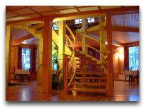 отель Padu Kardla: Лестнийа в зал