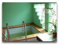 отель Padu Kardla: Бассейн в сауне