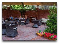 отель Park Hotel Bishkek: Летний сад