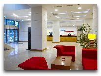 отель Park Inn by Radisson Azerbaijan Baku Hotel: Холл