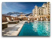 отель Pik Palace: Открытый бассейн
