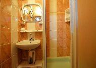 отель Po Kastonu: номер 307 душ