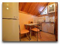 отель Po Kastonu: номер 205 кухня