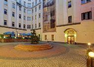 отель Polonia: Внутренний дворик отеля