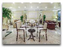 отель Porta Caucasia Kazbegi: Лобби