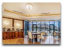 отель Porta Caucasia Kazbegi: Ресторан Лигурия терраса