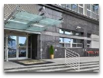 отель Premiere Classe Warszawa: Вход в отель
