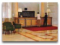 отель President Hotel: Ресепшен
