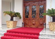 отель President Plaza: Вход в отель