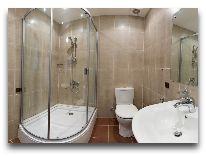 отель Primavera: Ванная в номера