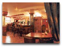 отель Promenada: Ресторан