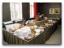 отель Puhajarve: Шведский стол