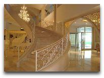 отель Qafqaz Riverside Resort Hotel: Лестница