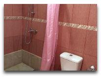 отель QEFO Hotel: Ванная комната