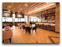 отель Radisson Blu Hotel Yerevan: Бар ресторана Ad Astra