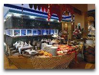отель Radisson Blu Hotel Krakow: Рыбный шведский стол в ресторане Milk&Co