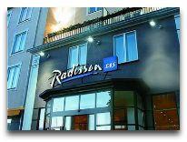 отель Radisson Blu Hotel Klaipeda: Отель вечером