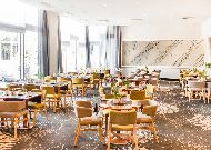 отель Radisson Blu Sky Hotel: Ресторан Seasons