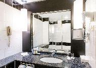 отель Radisson Blu Sky Hotel: Ванная комната