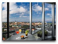 отель Radisson Blu Sky Hotel: Lounge24