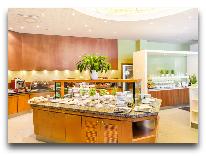 отель Radisson Blu Sky Hotel: Шведский стол