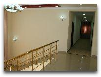 отель Rahnamo: Коридор