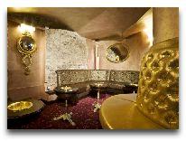 отель Ramada Vilnius: Курительня комната в баре