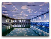 отель Ramada Hotel Baku: Бассейн