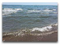 отель Ramada Hotel Baku: Море