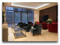 отель Ramada Hotel & Suites Wyndham Yerevan: Холл отеля